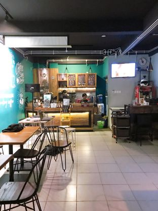 Foto 8 - Interior di Edisan Coffee oleh yudistira ishak abrar