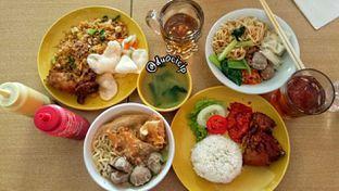 Foto 6 - Makanan di Es Teler 77 oleh duocicip