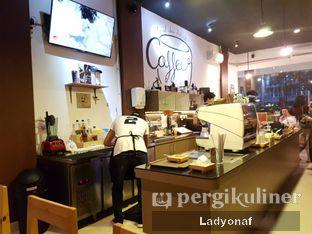 Foto 10 - Interior di Logika Coffee oleh Ladyonaf @placetogoandeat
