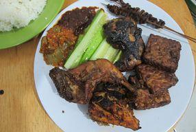 Foto Ayam Goreng & Bakar Si Bungsu