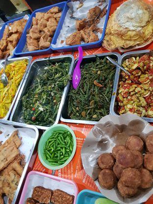 Foto 2 - Makanan di Nasi Uduk Bu Sum oleh Lieni San / IG: nomsdiary28