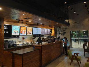Foto 3 - Interior di Maxx Coffee oleh Ken @bigtummy_culinary