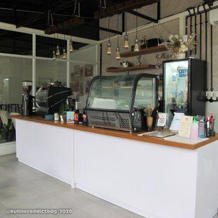Foto 4 - Interior di Hailee Coffee oleh Kuliner Addict Bandung