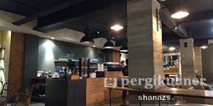Foto 2 - Interior di Crematology Coffee Roasters oleh Shanaz  Safira