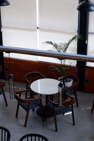 Foto 10 - Interior di Raindear Coffee & Kitchen oleh yudistira ishak abrar
