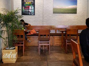 Foto 3 - Interior di Pikul Coffee & Roastery oleh Stanzazone