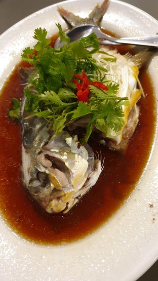Foto review Chef's Kitchen Live Fish & Seafood oleh Yunnita Lie 2