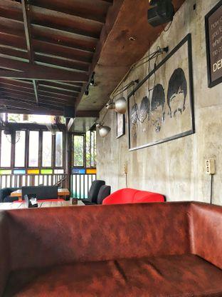 Foto 4 - Interior di Jack Runner Roastery oleh Fadhlur Rohman