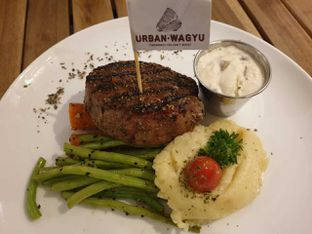 Foto 2 - Makanan di Urban Wagyu oleh Amrinayu