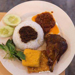 Foto - Makanan di Pak Qomar - Bebek & Ayam Goreng oleh Stellachubby