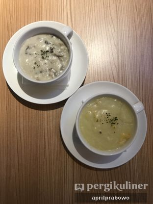 Foto - Makanan(Mushroom CreamSoup) di Imperial Tables oleh April Prabowo