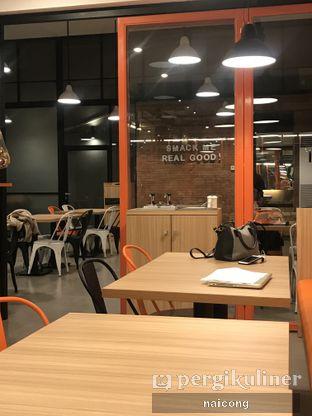 Foto 2 - Interior di Smack Burger oleh Icong