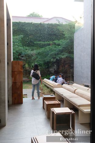 Foto 7 - Interior di Titik Temu Coffee oleh Darsehsri Handayani