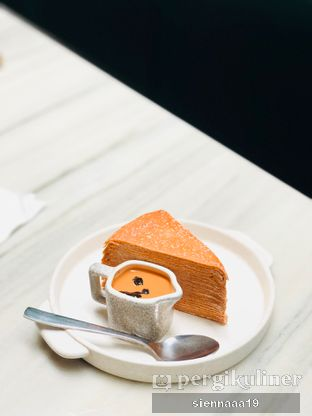 Foto 10 - Makanan(thai tea layer cake) di Gormeteria oleh Sienna Paramitha