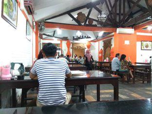 Foto 7 - Interior di Waroeng Jangkrik Sego Sambel Wonokromo oleh yesi nila