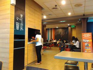 Foto 4 - Interior di McDonald's oleh Renodaneswara @caesarinodswr
