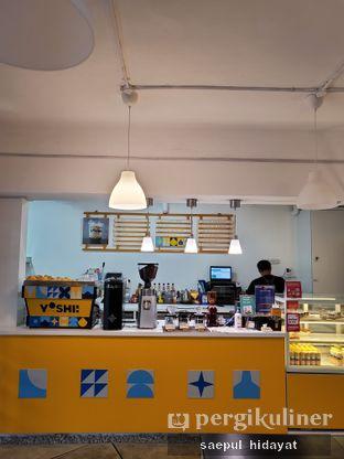 Foto 2 - Interior di Yoshi! Coffee oleh Saepul Hidayat
