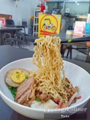 Foto 4 - Makanan di Mie Ayong Siantar oleh Tirta Lie