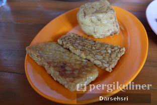 Foto 4 - Makanan di Resto Ayam Pakuan oleh Darsehsri Handayani