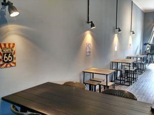 Foto review Monomania Coffee House oleh D L 6
