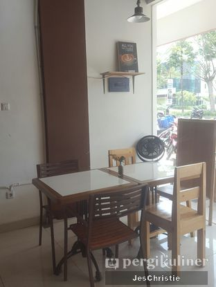 Foto 5 - Interior di Logika Coffee oleh JC Wen