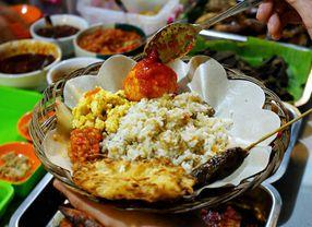 10 Tempat Makan di Bandung yang Buka Hingga Tengah Malam