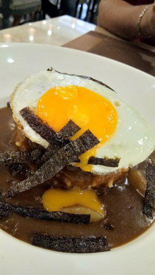 Foto 1 - Makanan(Loco Moco Curry) di Revel Cafe oleh Komentator Isenk