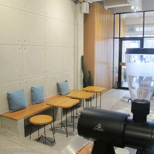 Foto 2 - Interior di Makmur Jaya Coffee Roaster oleh Kuliner Addict Bandung
