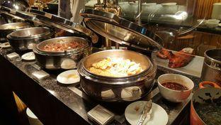 Foto 2 - Makanan di The Cafe - Hotel Mulia oleh Vising Lie