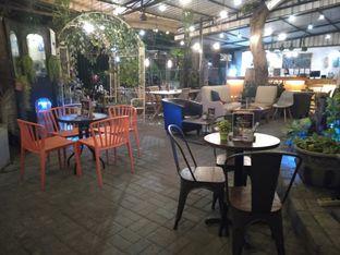 Foto 3 - Interior di Shae Cafe and Eatery oleh Stefany Violita