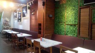 Foto 3 - Interior di BoBaL oleh duocicip