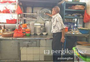 Foto 7 - Interior di Bubur Ayam Tangki 18 Aguan oleh Asiong Lie @makanajadah