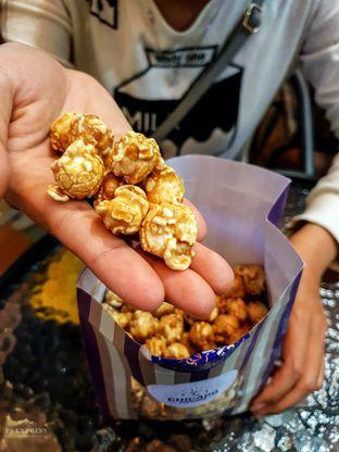 Foto 1 - Makanan(Popcorn Caramel) di Chicago Popcorn oleh Adhy Musaad