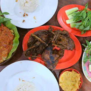 Foto review Bebek Goreng HT Khas Surabaya oleh Godzillatummy  1