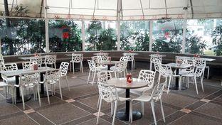Foto 3 - Interior(Oval-Shaped Outdoor Venue) di Suis Butcher oleh Rinni Kania