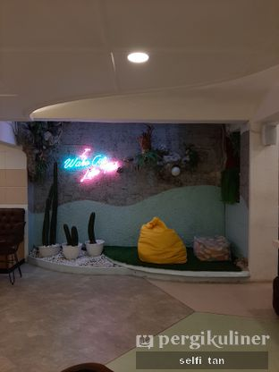 Foto 6 - Interior di Wake Cup Coffee oleh Selfi Tan