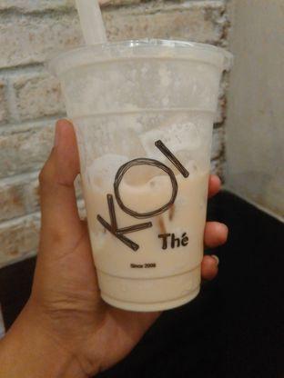Foto 2 - Makanan(Caramel Milk Tea, ice cream topping (medium size) (IDR 42k) ) di KOI The oleh Renodaneswara @caesarinodswr