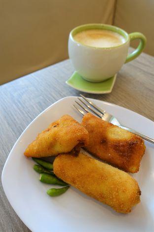 Foto 6 - Makanan di Dandy Co Bakery & Cafe oleh iminggie