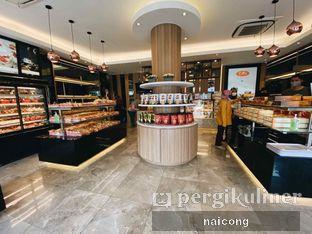 Foto 4 - Interior di D' Cika Cake & Bakery oleh Icong