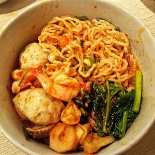 Foto 9 - Makanan(Tom Yam Noodle Soup) di Khao Khao oleh felita [@duocicip]