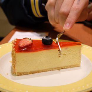 Foto review Bakerzin oleh IG : FOODTRAVELID  3