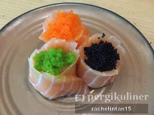 Foto 7 - Makanan(Sanshoku Hana Salmon) di Sushi Tei oleh Rachel Tobing