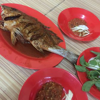 Foto Makanan di Ikan Bakar Seafood Genteng Besar