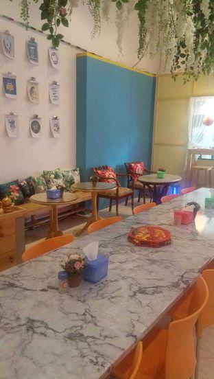 Foto 7 - Interior di Garage Cafe oleh duocicip