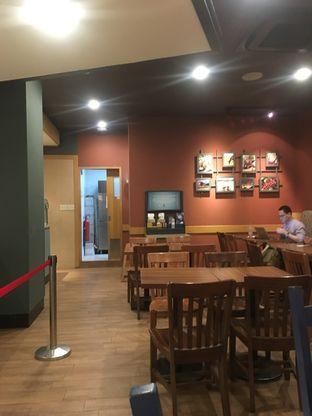 Foto 2 - Interior di Caribou Coffee oleh Prido ZH