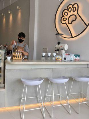 Foto 4 - Interior di Oi Coffee & Eatery oleh Prido ZH
