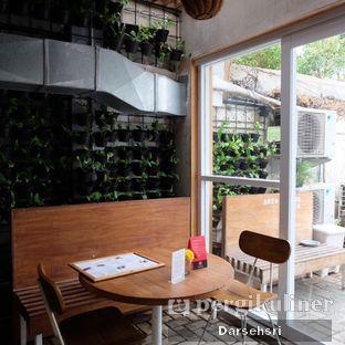 Foto 8 - Interior di Burgreens Express oleh Darsehsri Handayani