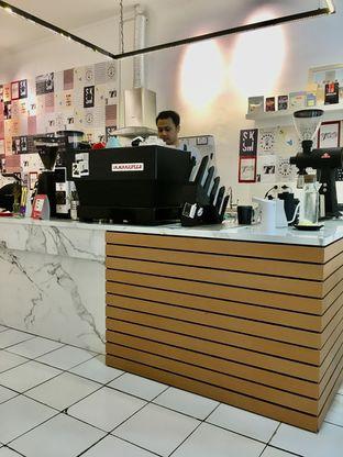 Foto 12 - Interior di Saksama Coffee oleh Prido ZH