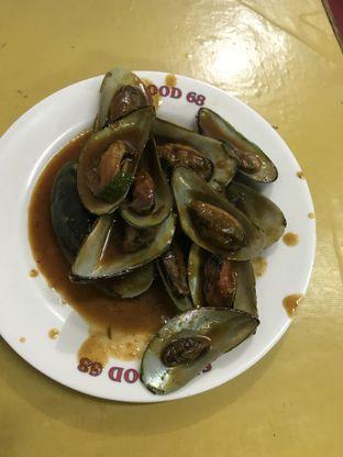 Foto 2 - Makanan(Kerang Ijo Rebus / Goreng) di Seafood Santa 68 oleh Michael Benjamin