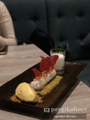 Foto 3 - Makanan(Mango sticky rice) di Lalla Restaurant oleh Cubi
